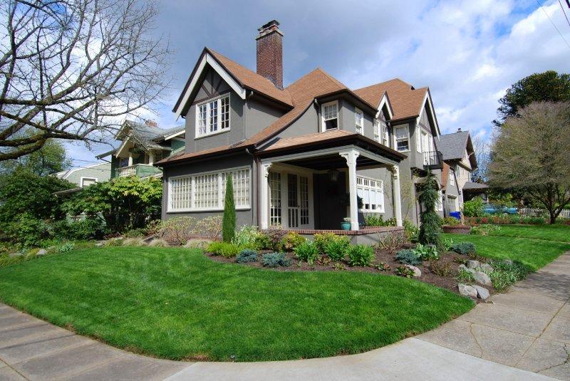 Home in Laurelhurst Neighborhood, Portland Oregon
