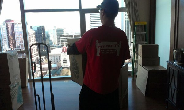 Portland apartment mover lifting boxes