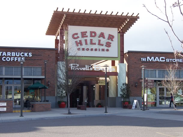 Cedar Hill jobs The Cedar Hill, TX job market is strong compared to the rest of the US. Over the last year, job postings in Cedar Hill, TX have increased by 33% relative to a national decline of 32%.