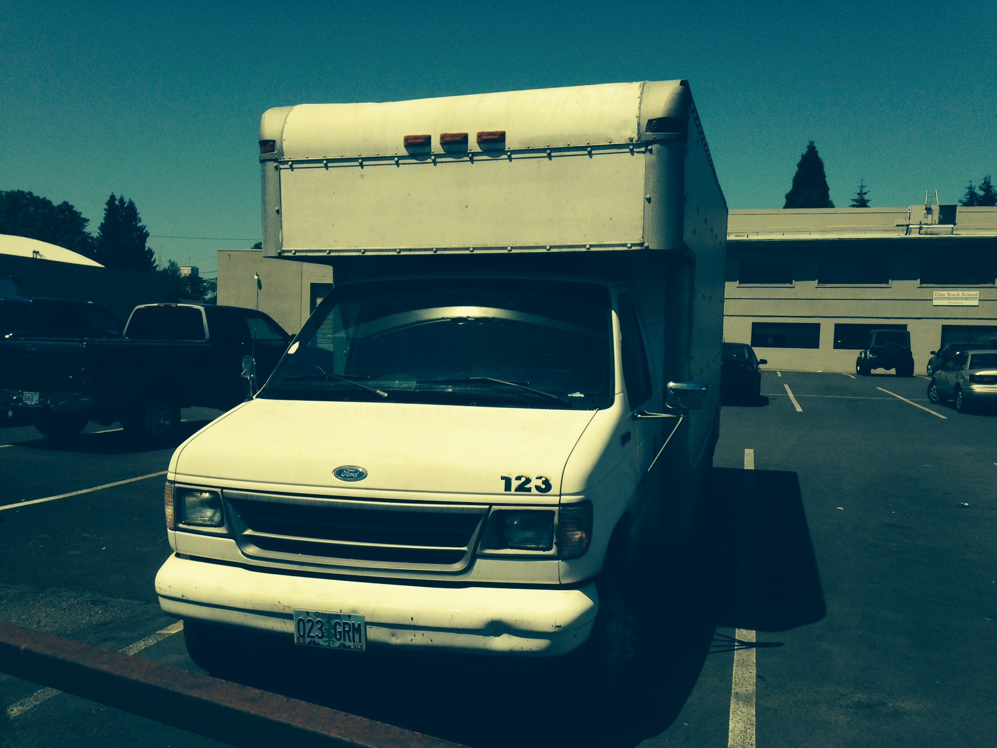 Ford E-350 box van used by Priority Moving Services